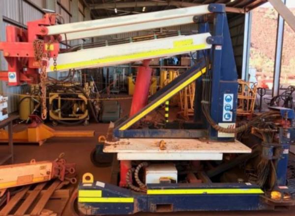 Workshop-based multi-purpose lifting device